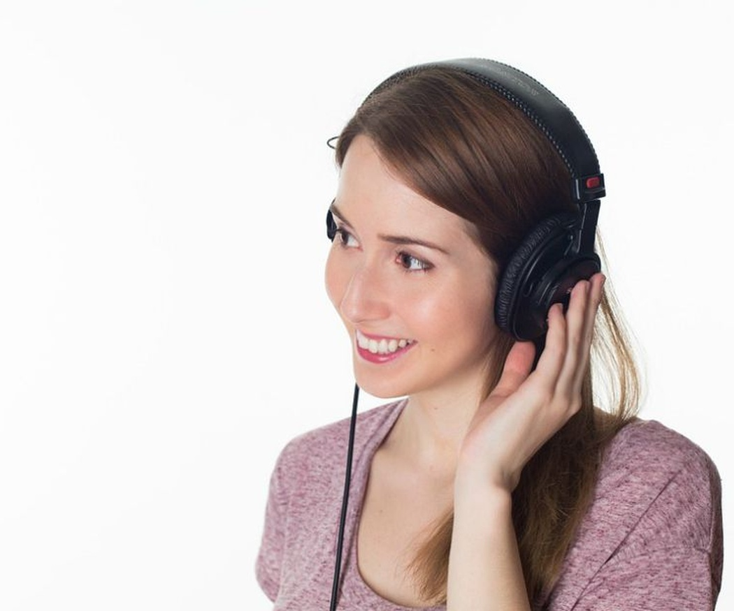Cuidado con estos hábitos: pueden ser peligrosos para tus oídos