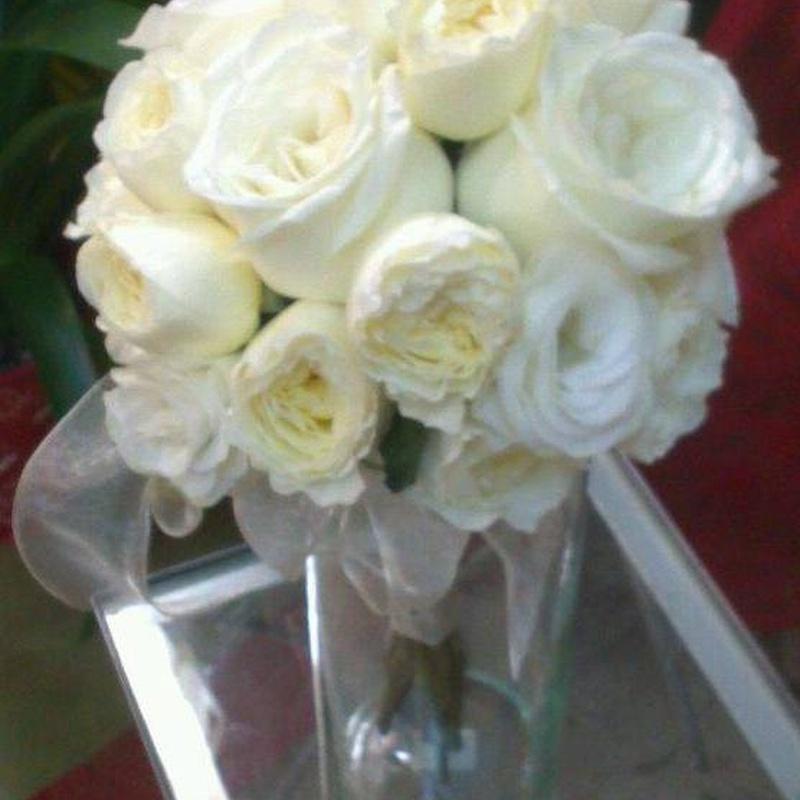 Ramo de rosas inglesas: Servicios de Arte Flor