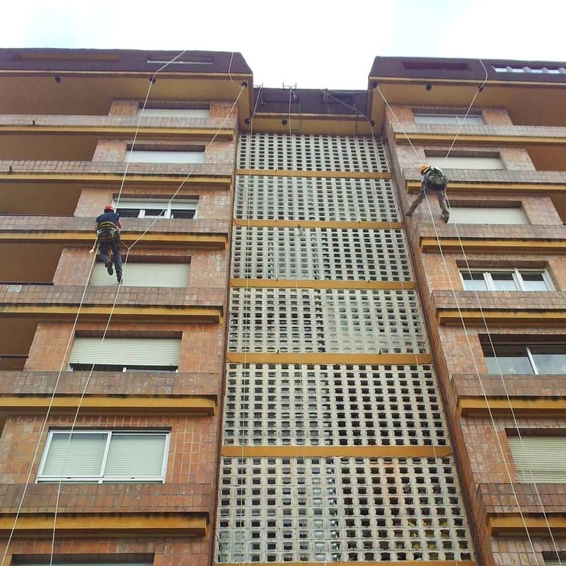 Rehabilitar su edificio con Fachadas Cantabria es la mejor elección.