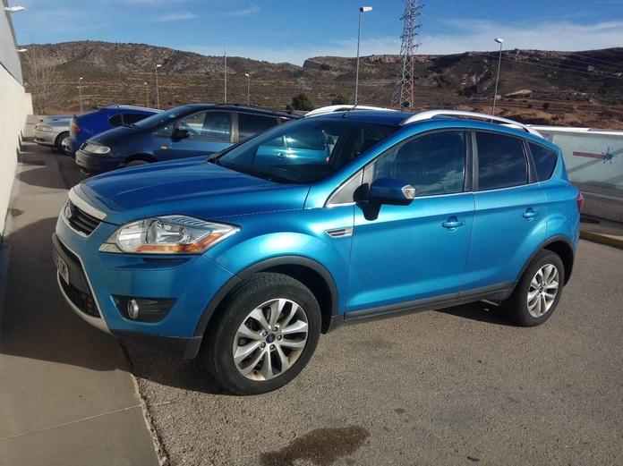 Ford Kuga: PRODUCTOS Y SERVICIOS  de Autotaxi Eliseo
