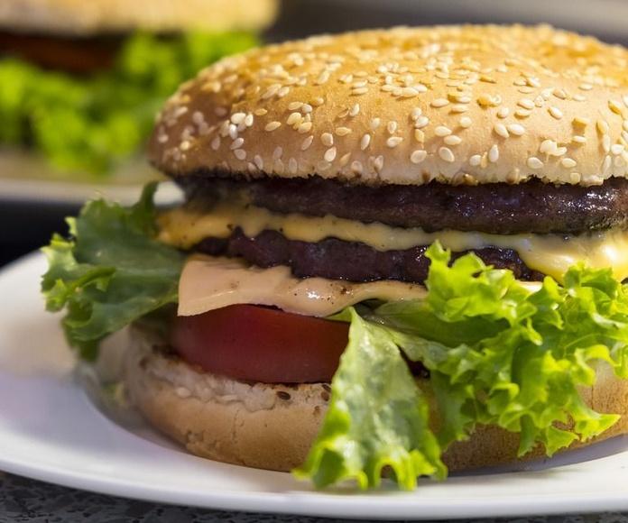 Sándwiches y hamburguesas: Carta de Café Bar Las Torres