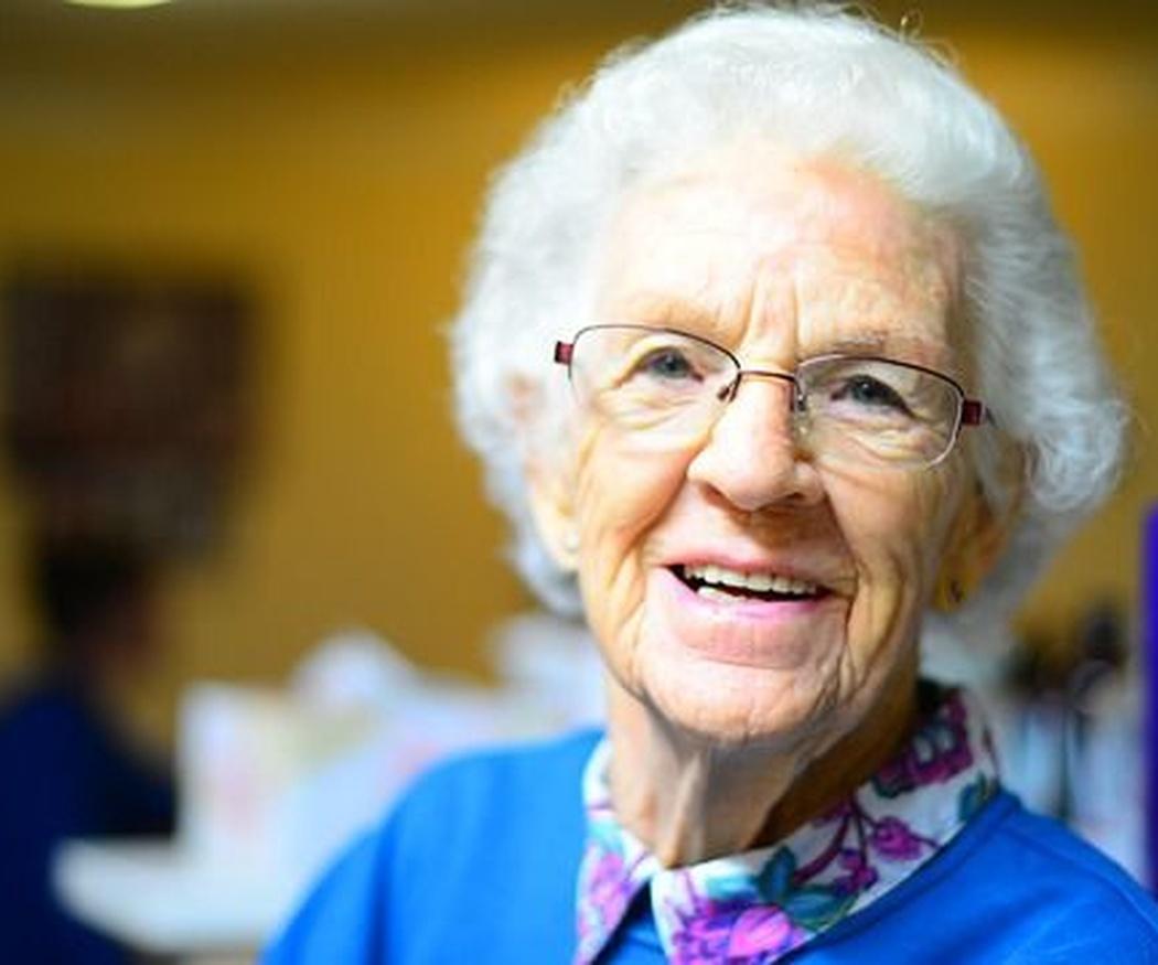¿Cómo tener una buena salud bucodental en la tercera edad?