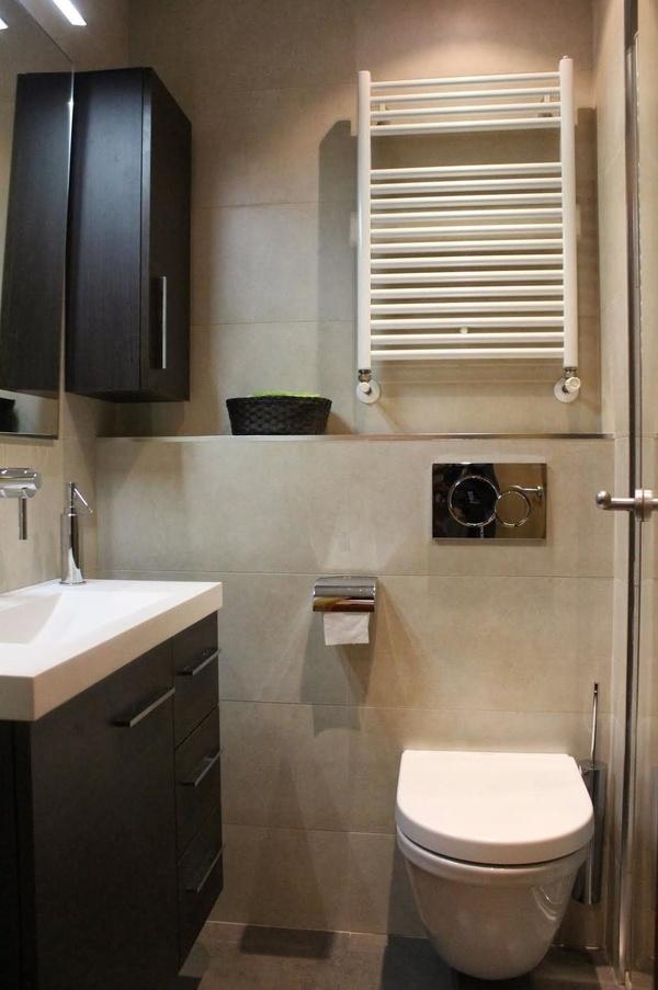 Instalación de calefactor en baño
