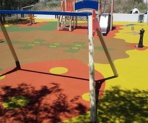 Pavimentos de caucho para parques infantiles en Cádiz