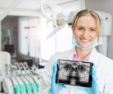 Es hora de tomar el cuidado de sus dientes!