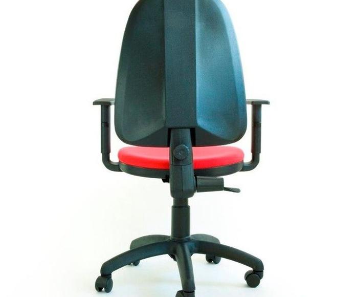 silla giratoria con brazos regulables de somomar a 125€+iva