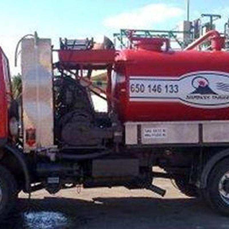 Camión cuba: Servicios de Desatascos Timanfaya