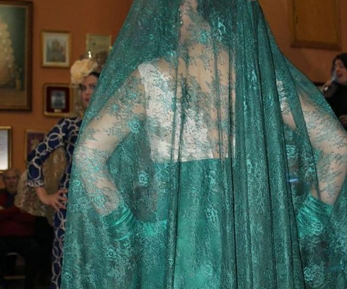 Mantilla para madrina : Catálogo de La Parisien Sevilla