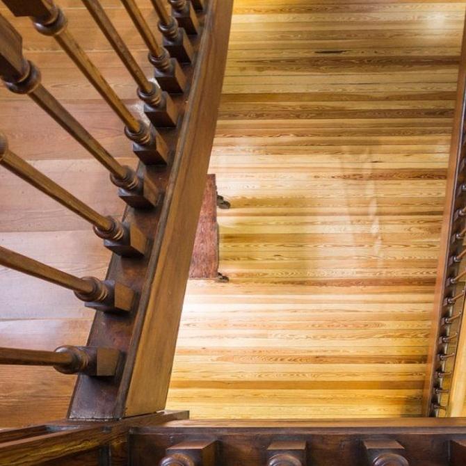 Belleza y beneficios de las escaleras de madera