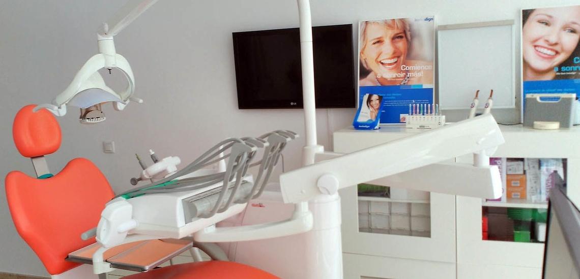 Cirugía maxilofacial en Cádiz - Astar-Dent