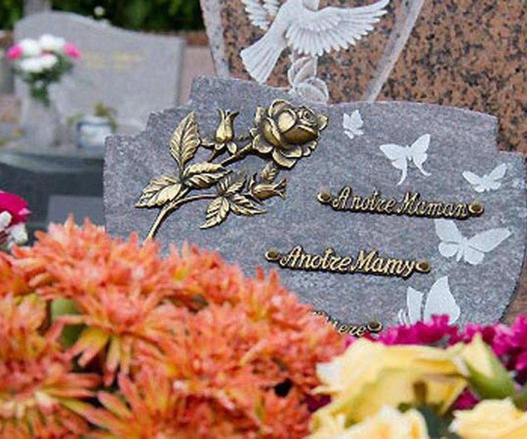 Los arreglos florales funerarios