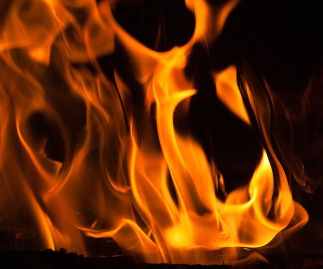 Aprende a encender rápidamente el fuego de tu chimenea