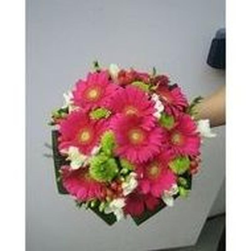 Servicio integral Bodas: Servicios  de Ixora Floristas