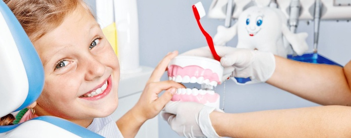 Odontopediatría: Especialidades  de Clínica Dental Enguera }}