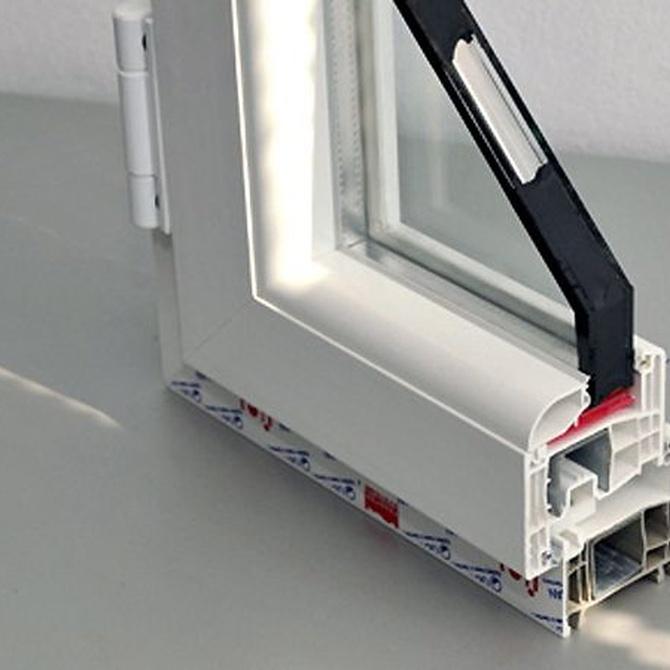 Qué diferencia una ventana de PVC de una de aluminio