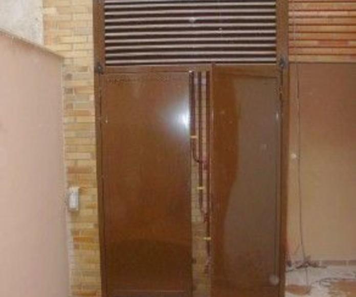 Puertas varias: Productos de Cerrajería ACU, S.L.