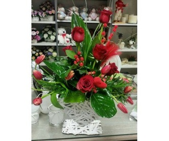 Rosas eternas en cúpula de cristal: Servicios de Floristería Albuerne