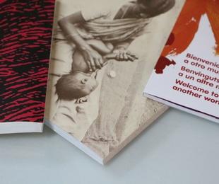 Libro, catálogo o revista encuadernación rústica