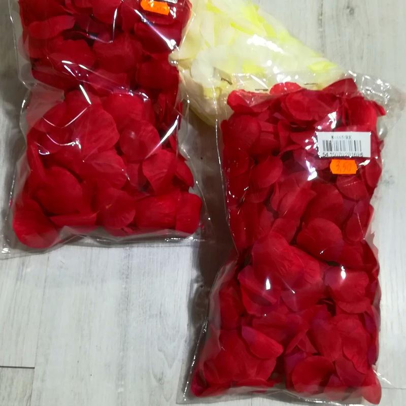 Bolsas de Pétalos. COLORES: Rojo y Blanco. PRECIO: 3,50 €