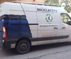 Nueva imagen rotulación de las unidades móviles de Reciclaceite