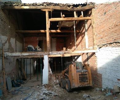 REHABILITACIÓN Y REFORMA DE UNA CASA EN RUINAS