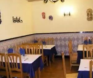 Restaurante familiar y acogedor, trato excelente y buen precio.