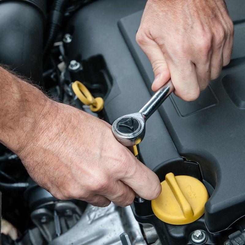 Reparaciones de automóviles con diagnosis actualizadas en todas las marcas: Servicios de reparación  de Automóviles y Talleres Dorado
