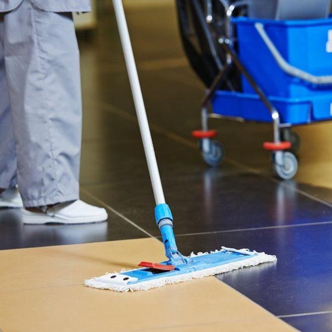Ventajas de mantener limpio un local comercial