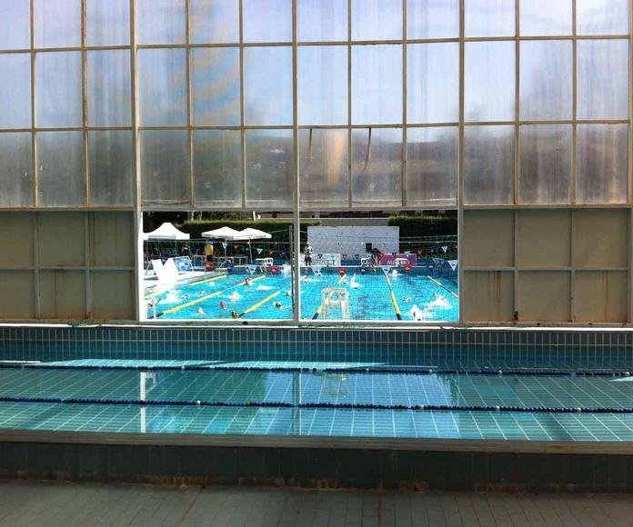 Interior piscina cubierta