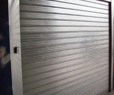 Puerta enrollable cortafuegos contra incendios en Valencia