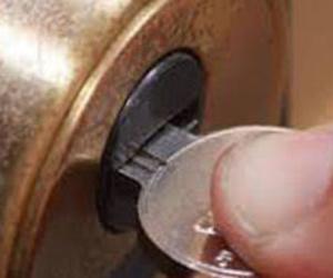 Cambio de cerraduras y bombillos