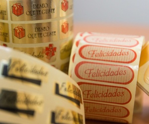 Etiquetas adhesivas en papel kraft en Madrid
