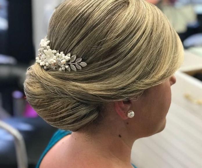 Recogidos de novia: Servicios de Peluquería Mari Ló