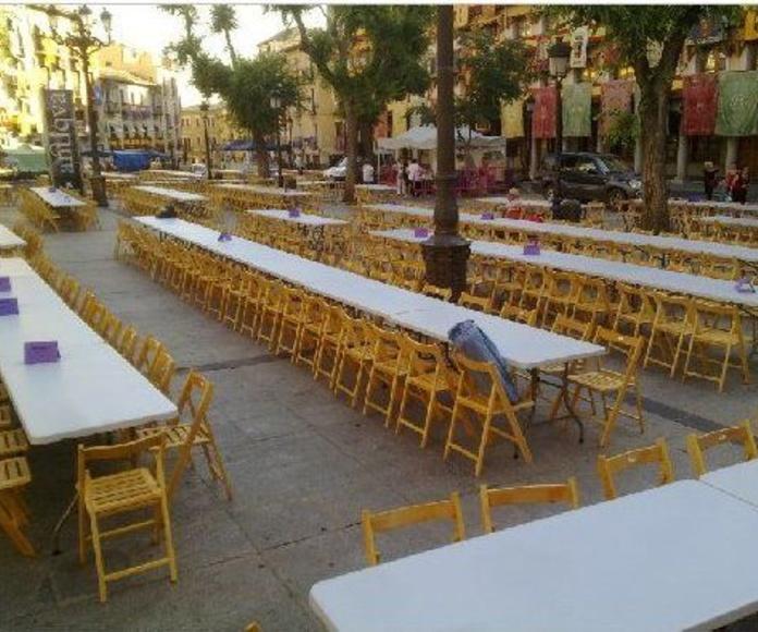 Montajes con sillas y mesas: Alquiler  de ACD Servicios y Alquileres