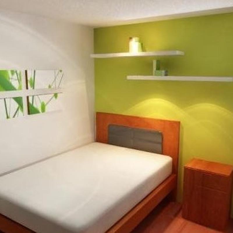 Lucido de paredes y pintura de dormitorio.