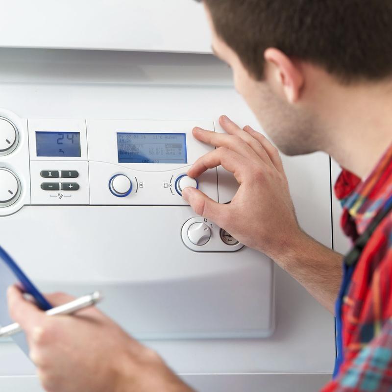 Reparación de SWHT de ventilación de calderas de gas: Productos y servicios de Fumistería Tetuán