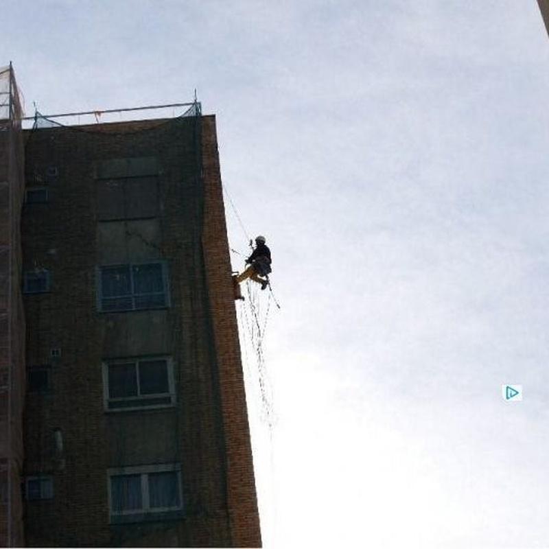 Trabajos de altura: Servicios de Pedro Vertical