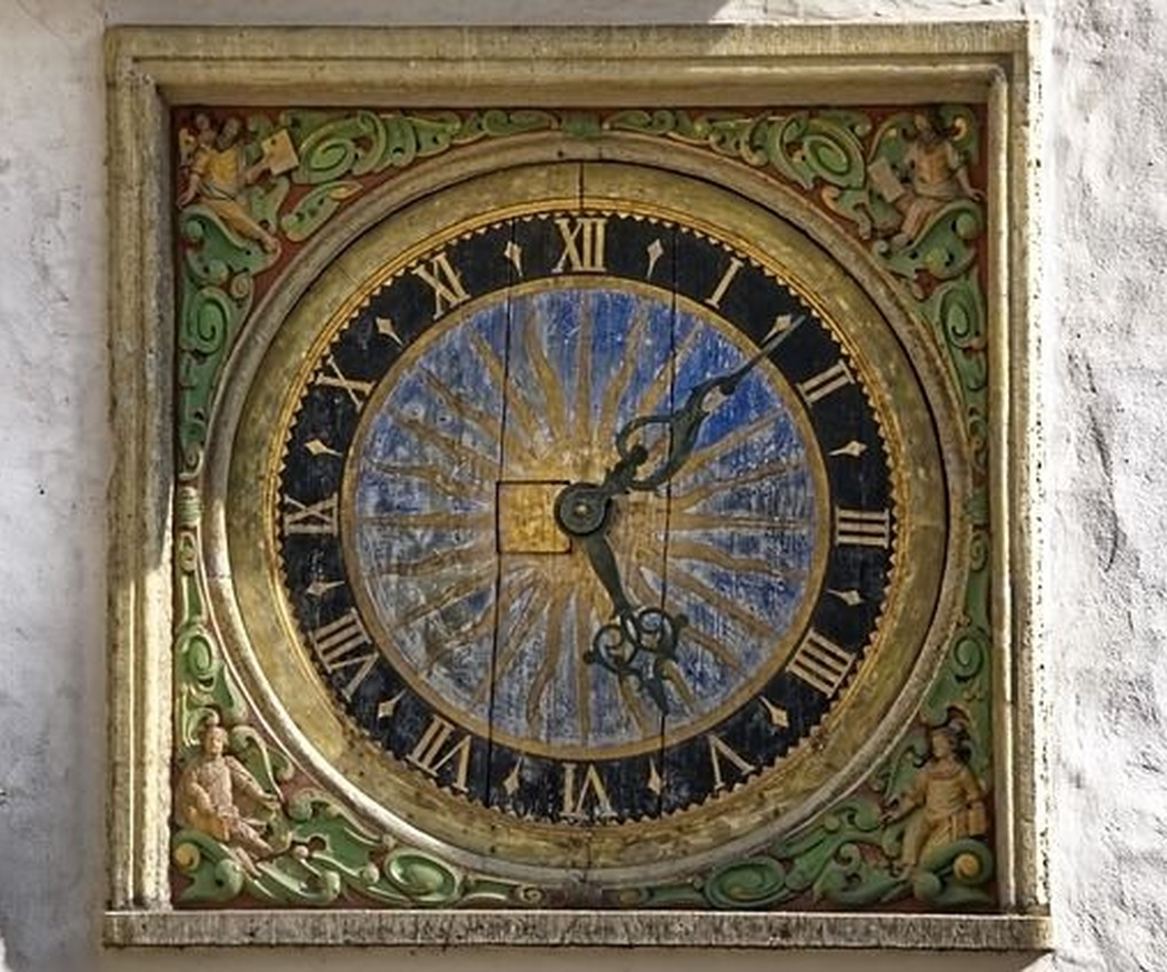 ¿Cómo es posible que un reloj monumental siga funcionando bien?