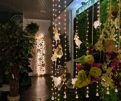Llegan las fiestas navideñas y en Ches Pa en nuestro showroom tenemos complementos para adornarlas.