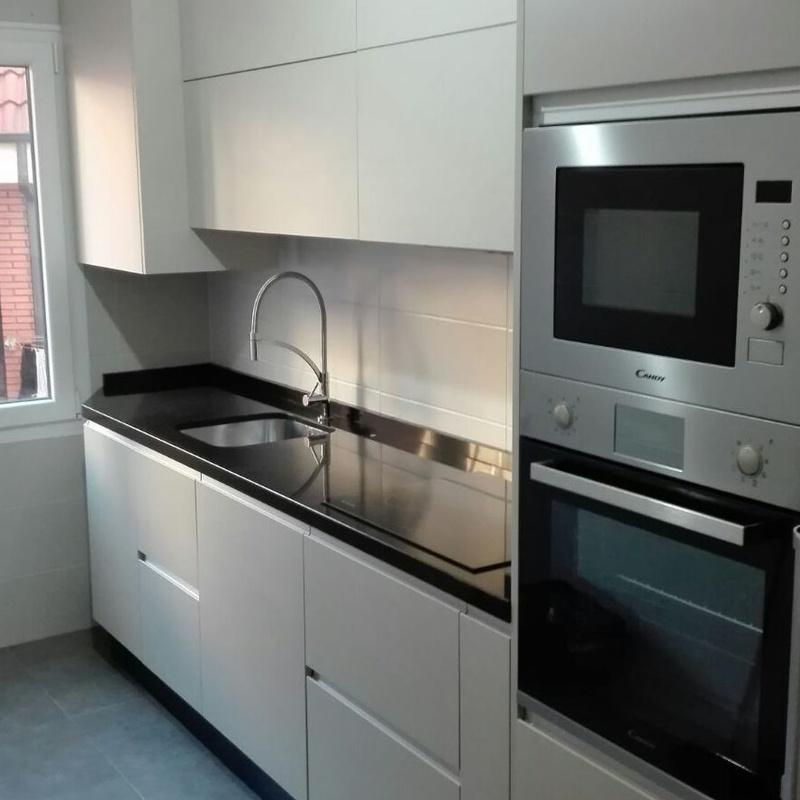Ejemplos de cocinas: Cocinas y baños de F. Alba, cocinas y baños
