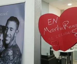 En Martín Renatti celebramos San Valentín el 12, 13 y 14 de febrero... Para ellas tratamiento restore + peinado. Para él corte 20%descuento