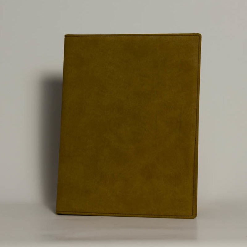 Portafolios PF-01628: Catálogo de M.G. Piel