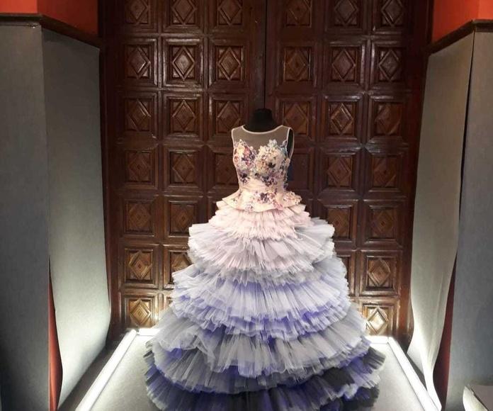 Maniquí para exposición de traje regional de fallera de gala