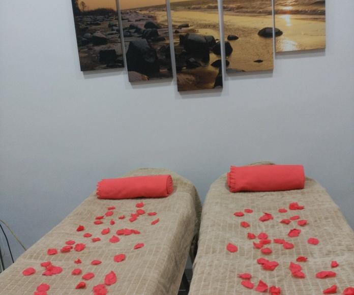 Masajes relajantes: Tratamientos de Estética y Aparatología Ángela Bou