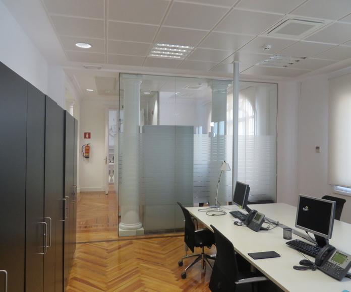 MAMPARAS OFICINA MADRID. CRISTALERA MADRILEÑA