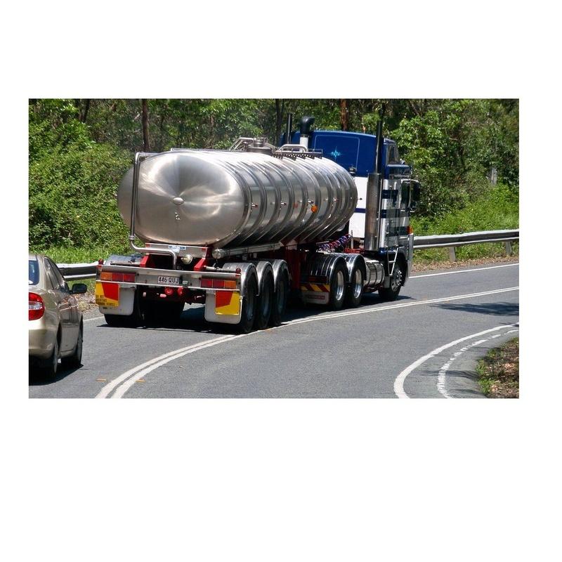 Camiones cisterna con motobomba