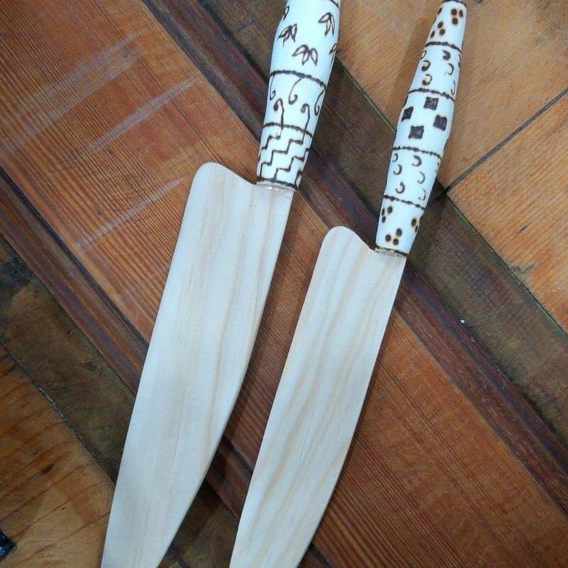 """""""NAIFE CANARIO"""" Diseño en Madera, inspirado en el famoso Cuchillo Canario. Hechos a mano artesano Canario."""