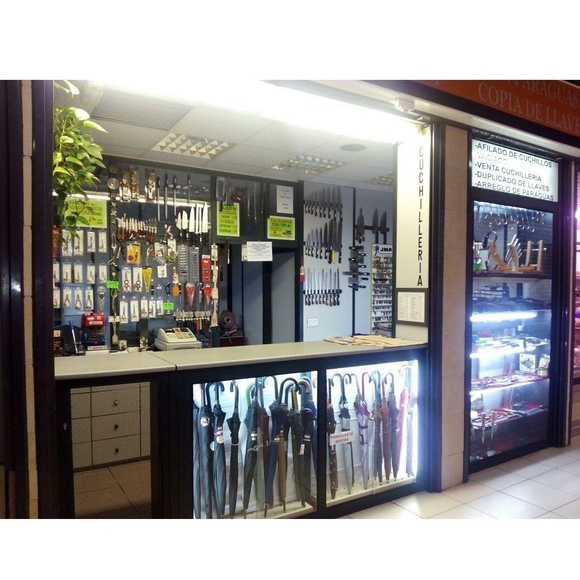 Reparación de paraguas: Productos y servicios de Cuchillería y Vaciador José López