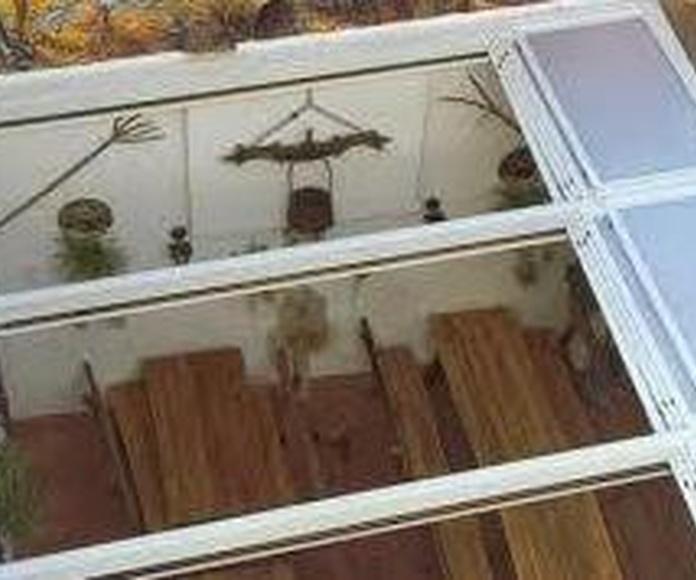 TECHOS MOVILES: Servicios de Exposición, Carpintería de aluminio- toldos-cerrajeria - reformas del hogar.