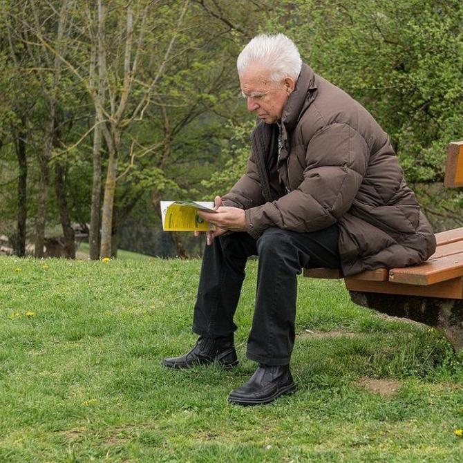 La lectura, muy beneficiosa en la tercera edad